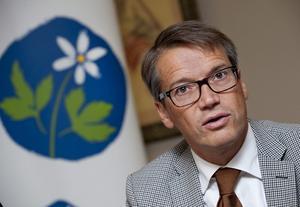 Bidragsvurmare. Kristdemokraternas Göran Hägglund har länge försvarat partiets hjärtefråga: vårdnadsbidraget. Nu ifrågasätts bidraget av regeringens egen expertgrupp, och Hägglund själv har börjat att vackla.