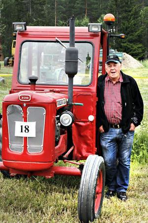 Stig-Olof Elfstrand anlände till traktordagen på en Volvo BM 320 som hans far köpte 1962.
