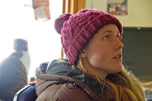 23-åriga Elin Rödén är ledare på Ås Ridskola och har varit aktiv ryttare sedan hon var sju år. Hon har följt många av sina elever sedan de var väldigt små.
