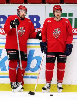 Peter Forsberg och Markus Näslund tillsammans under lock out-säsongen.