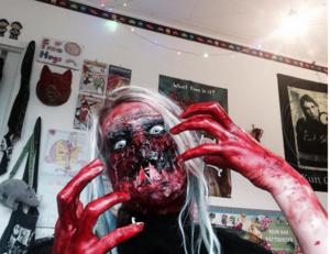 När Tindra förvandlade sig själv till ett groteskt monster. Här på Instagramkontot sfx.stuff.