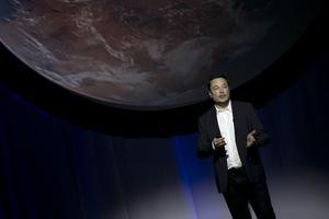 Miljardären Elon Musk vill bygga en stad på Mars.