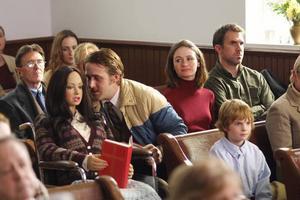 """Lars och den inte-så-riktiga-flickan. Ryan Gosling och sexdockan Bianca spelar huvudrollerna i indieexplosionen """"Lars and The Real Girl""""."""