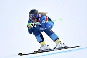 Anna Holmlund tacklades, men lyckades ändå kom i mål på en andra plats – och drygar med det ut sin ledning i den totala världscupen.
