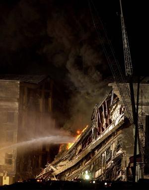 125 personer omkom när flygplanet som hade kapats av medlemmar i Usama bin Ladins terrornätverk al-Qaida klockan 09.37 den 11 september 2001 kraschades in i Pentagons fasad.