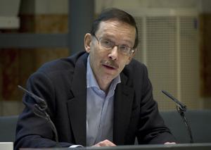 Lars Calmfors, ekonomiprofessor.