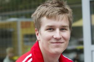 Sebastian Sjöblom, 22 år, arbetslös, Hemlingby. – Ja, kanske. Om jag ska förbi mitt på dagen, när det är trångt på torget.