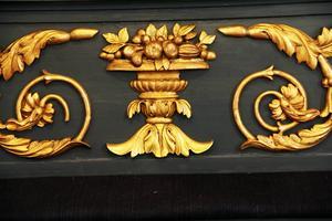 Även altarringens förgyllningar är rengjorda och på vissa ställen restaurerade.