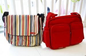 Den randiga skötväskan från Skip Hop kostar 949. Den röda är av märket Baby Travel och kostar 195. Från Babyproffsen.