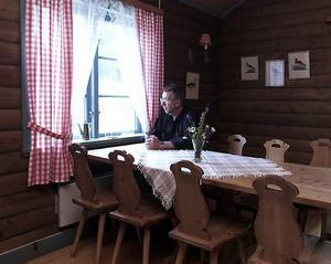 """Göthe Svensson ser fram emot ännu en sommar på dansgolvet. Att det blivit trendigt med dans tycker han är roligt, men kanske inte så viktigt för Sandviken.  """"Hos mig har det alltid varit bra"""", säger han.Foto: Jan Andersson"""