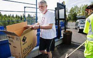 Reine Andersson tycker att nyöppningen är välkommen. Under renoveringen har han samlat på sig en hel del skräp hemma. Mest tidningar och kartonger.FOTO: ANNIKA BJÖRNDOTTER