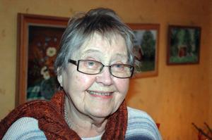 Ann-Margret Östlund, 85 år den 8 januari, kom till Gagnef första gången för att vårda sina luftvägar. En sommarvistelse på Kom-till-måtta som så småningom ledde till bröllop och flytt till Dalarna.