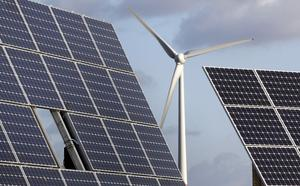 Hellre sol än vind. Tord Wiklund  menar att tusentals människor skulle slippa störningar om vindkraft ersätts av solkraft. Foto: TT