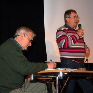 Nisse Björklund och Lars-Erik Kalles gav en återblick av de otaliga uppvaktningar som gjorts genom åren och som inte gett något resultat.