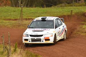 Tobias Johansson och Bo Holmstrand körde hem både final och Svenska RallyCupen genom lördagens seger i Marknadsnatta.