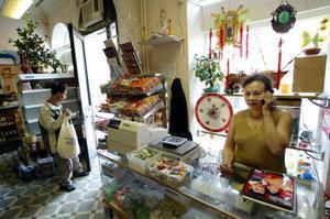 Butiksägarinnan Hien Nguyen möttes av total oreda när hon kom till butiken morgonen efter inbrottet. Hennes son utesluter inte att tilltaget kan handla om en hämndaktion.