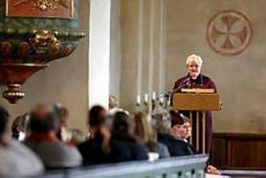 Foto: LASSE HALVARSSONLycklig och fri. Ann-Britt Samuelsson, före detta frikyrkopastor, var inbjuden till Valbo kyrka där hon talade om sin homosexualitet som hon förnekade även inför sig själv i många år.