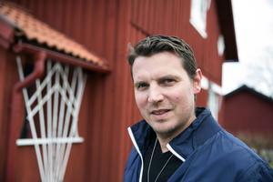 Andreas Lundmark tog över som förbundskapten för det svenska damlaget år 2014. Säsongen innan ledde han IBF Falun herrar till lagets första SM-guld.