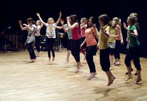 Dansgrupperna är indelade utifrån ålder och dansintresse.