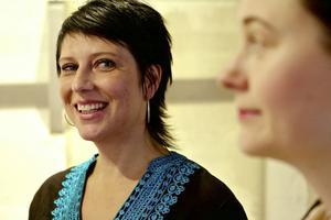 Nina Wennström och Helena Blomqvist, som båda ställer ut i Ninas Fabrik.