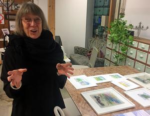 Lotta Mattson-Gudmundsson utforskar kvinnans styrka i sin textilkonst.