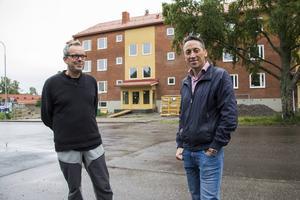 I september är det inflyttning på Smedsvägen i Ljusne. Nu fattas bara lite finlir innan allt är klart, konstaterar Urban Wigren och Petri Berg.
