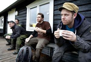 Det satt fint med en kaffekopp vid Ljungåsenstugan för Patrik Dahlström, 46, Ludvika, Mikael Lank, 40, Grängesberg, Fredrik Risberg, 22, Ludvika, och Christian Andersson, 29, Ställdalen.
