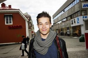 Niclas Westberg, Sunnansjö:Vad äter du helst på hösten?– Eftersom det är kallt ute så ska det vara varm mat, en gryta kanske, men jag äter allt som är gott året runt. Jag lagar itne så mycket mat själv, det gör mamma.