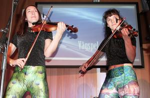 Rytmiskt. Alice Klint och Kristin Kennemark i duon Vågspel var lika bra som ifjol.