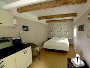Limöns minsta uthyrningsrum för två personer bokas hos turistbyrån eller på nätet. Nyckeln finns på Limöns café.