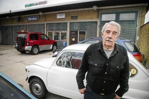 Harald Modin gick inte i pension vid 65. Han fortsatte att jobba på sin bilverkstad på Dammgatan ända fram till att han blev 81 år.