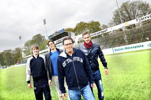 Tränare Per Olsson och spelarna Jakob Orlov, Mikael Dahlberg och Daniel Theorin är mycket nöjda med stödet från hejaklacken och publiken den här säsongen. En stark supporterklack betyder lika mycket för laget som en extra medspelare på planen.