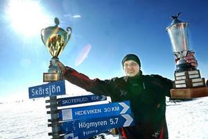 Torben Grindal, Hede, har inte missat många pimpeltävlingar på Skärsjön. Han har varit nära vinst förut men i år blev det fullträff.