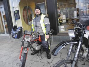 Stefan Börtas och hans moped.