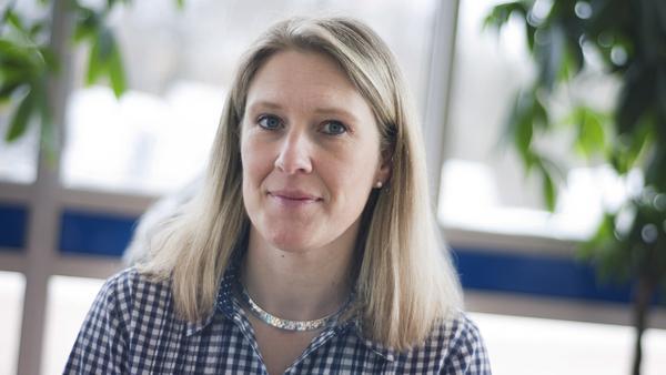 Carina Sándor (FPL), Skinnskatteberg:–Inte det minsta. Vi har 23 namn på listan, så många har vi aldrig haft. Vi har många i åldern 40-50 år och medelåldern är ganska hög. Vi har ingen under 35 år på listan.