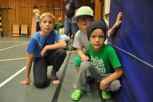 Ludvig Borg(9), Wiggo Ahlstedt Andersson(7) och Oskar Sundmark(8) gillar att dansa. Annars är det fotboll, slalom och minigolf som gäller.