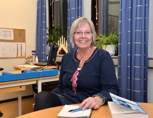 Kommunens utvecklingsledare Karin Lundgren, tror att den nya läroplanen ger bättre förutsättningar att upptäcka kunskapsbrister hos elever då betyg ska sättas redan från årskurs 6 från och med nästa höst.