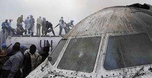 Över 70 personer befaras ha dött i flygkraschen i Kongo-Kinshasa.