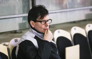 Bollnäs tränare Jocke Forslund vill se nytt cupupplägg.
