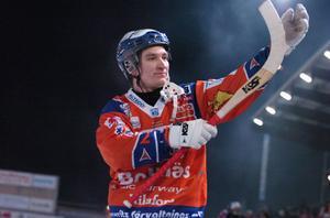 Mikko Lukkarila var hetast i slaskiga Katrineholm och satte fem mål när Bollnäs sänkte jumbon med 14–5.