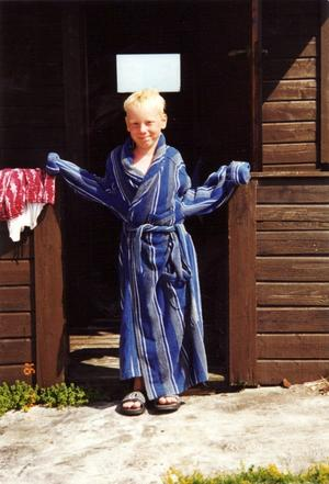 Filip blev åtta år. En vårdag 1999 faller han så illa att hans liv inte går att rädda. För Filips familj kan livet aldrig mer bli som förr. Filips pappa Björn Törnwall besökte nyligen Örebro för att dela med sig av sina erfarenheter.