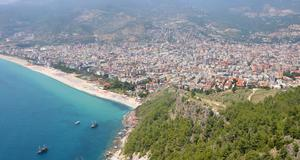 Bada i Antalya och res sedan till Saklikent för att åka skidor.