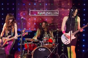 Bandet Lovebomb har hittat hem i rockmusiken.