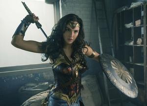 Vi ser återigen den israeliska skådespelerskan och modellen Gal Gadot som Wonder Woman.