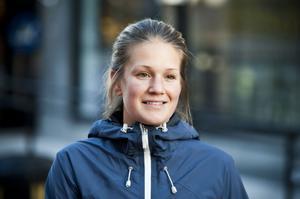 Emma Fredriksson, Kramfors:– Nej jag är inte intresserad av fotboll, möjligen lite mer än mamma.