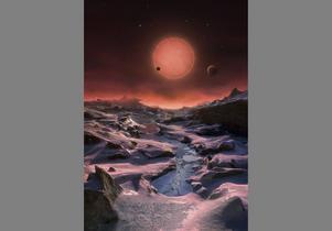 Proxima b är inte den enda jordlika planeten om upptäckts på senare år. Runt dvärgstjärnan Trappist-1, som ligger 40 ljusår bort, kretsar tre planeter som är jämförbara med jorden i storlek och temperatur. På bilden en rekonstruktion av hur det kan se ut på en av planeterna. Dvärgstjärnan lyser i bakgrunden.   ESO/TT