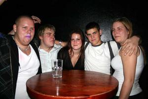 Konrad. Jesper, Robin, Chatrine, Pellas JR och Lisa