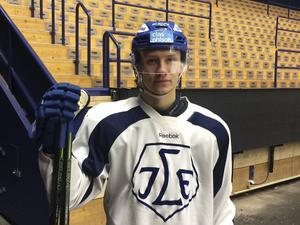 Daniel Bertov har kontrakt med Leksands IF över ytterligare två säsonger.