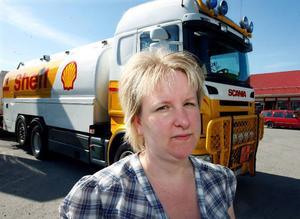 """""""Tävlingsdeltagarna stod i kö här med sina stora båtar och ville tanka, men våra cisterner var tomma"""", säger Anna-Karin Folkesson."""