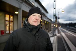 Miljöchef Olle Bertilsson berättar att på många områden ska landstinget blir mer miljöanpassat.